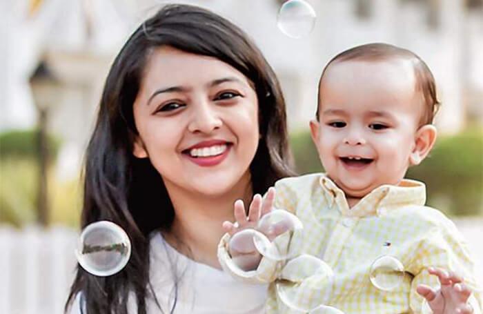 Mom Com India
